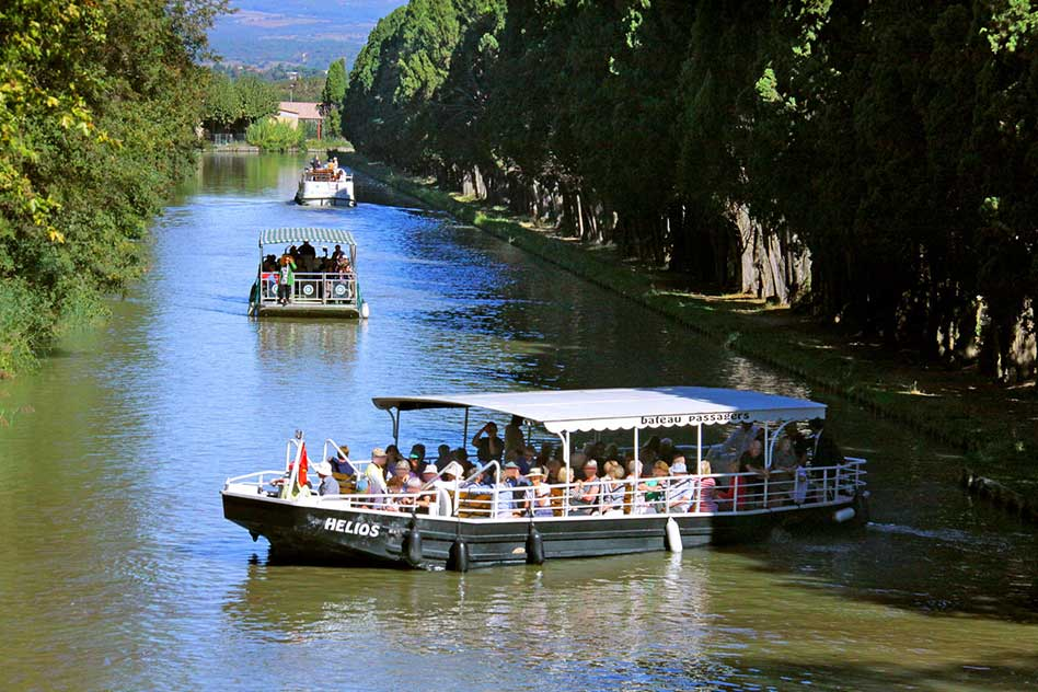 carcassonne cruise cruises commented on the canal du midi departing the port of carcassonne on. Black Bedroom Furniture Sets. Home Design Ideas
