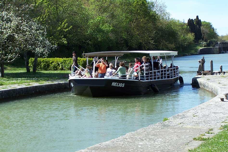 promenade bateau canal du midi carcassonne
